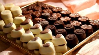 Evde Çikolata Yapma İşi