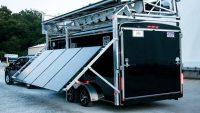 Hem rüzgar hem de güneş enerjisini kullanan taşınabilir enerji değirmeni